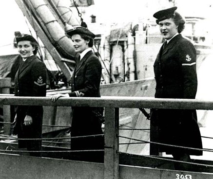 'The first Wrens leave for France,' August 1944. (Courtesy of The News, Portsmouth)